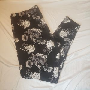 Warehouse black and white floral pull on leggings